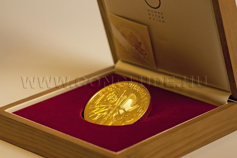 Wiener Philharmoniker 20 unciás befektetési aranyérme dobozában 622 gramm színarany súly az érme 20 éves fennállásának alkalmából.