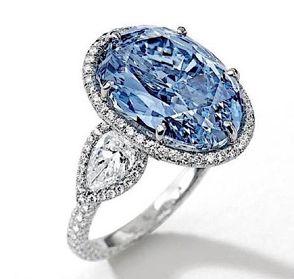 A Shirley Temple kilenc és fél karátos gyémánt.