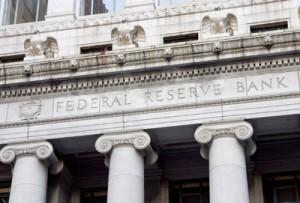 A FED kérte a harminc legnagyobb amerikai bankot, hogy január elejéig számoljanak be, tőkéjük elegendő lesz-e, ha egy mély recesszió során az októberben 7,9 százalékos munkanélküliség eléri a 12 százalékot. Ezzel a Fed nyilvánvalóan a fiscal cliff automatikus életbe lépése esetén várható növekvő munkanélküliséggel számoló vészforgatókönyvet teszteli., Conclude Zrt.