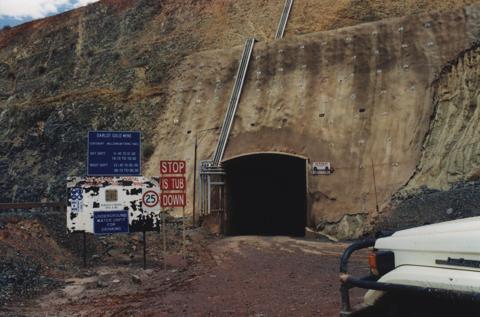 A Darlot bánya bejárata. Forrás:Barrick Gold, Conclude Zrt.