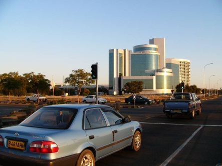 Modern irodaház Gaborone-ban. Conclude Zrt. Forrás: omniplan.hu