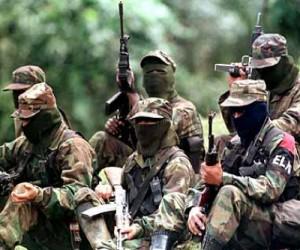 Fegyveres terroristák Kolumbiában. Forrás: La Patilla, Conclude Zrt.