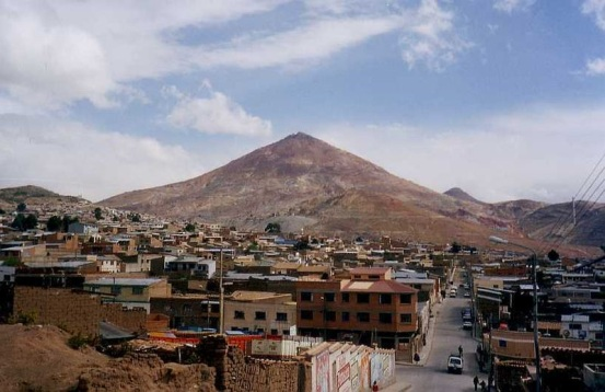 A bolíviai Potosí ezüsthegye. Forrás: Wikipédia, Conclude Zrt.