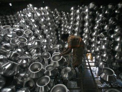 Az alumínium piacát továbbra is a túlkínálat jellemzi, elsősorban Kínának köszönhetően, még ha a kereslet néhol növekszik is. Forrás: Businessinsider.com, Reuters, Morgan Stanley; Conclude Zrt.