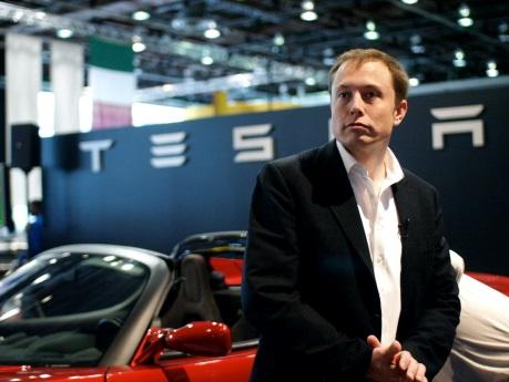 Elon Musk, a Tesla nagytulajdonosa, vezérigazgatója. Forrás: www.industrytrap.com, Conclude Zrt.