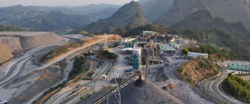 Aranykitermelés a kínai Jinfeng bányában. Forrás: www.eldoradogold.com, Conclude Zrt.