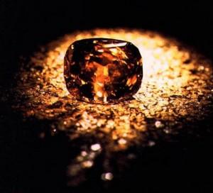 Golden Jubilee; Súlya: 545,67 karát;& Conclude Zrt.