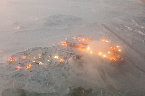 Az Agnico Eagle külszíni aranybányája a kanadai Nunavutban. Forrás: Mining.com, Conclude Zrt.
