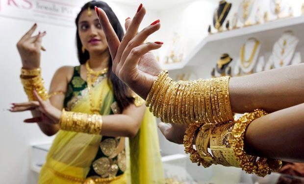 Mumbai aranyékszer-boltban. Forrás: www.deccanchronicle.com, Conclude Zrt.