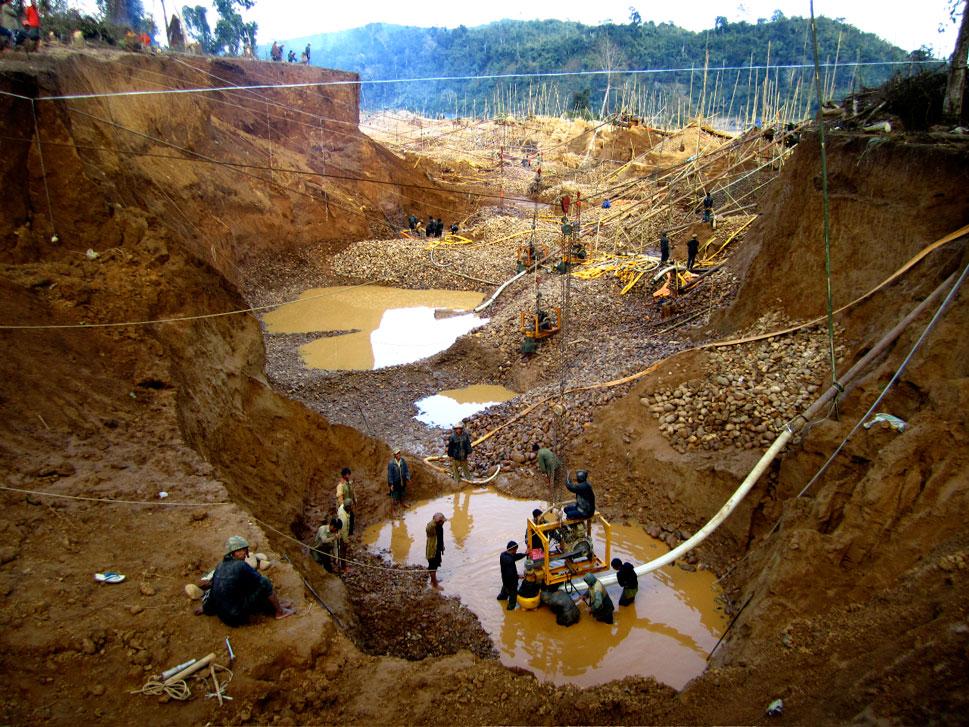 Aranybánya Mianmarban. Forrás: thevelvetrock.com, Conclude Zrt.