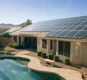 Napelemmel működó otthon. Forrás: Forbes, Conclude Zrt.